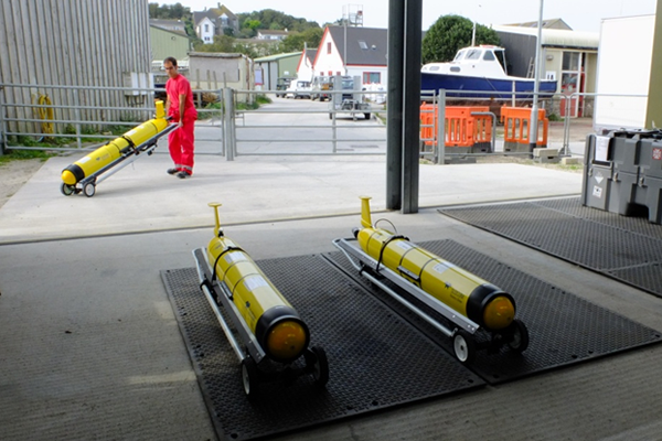 Slocum Gliders being prepared for launch