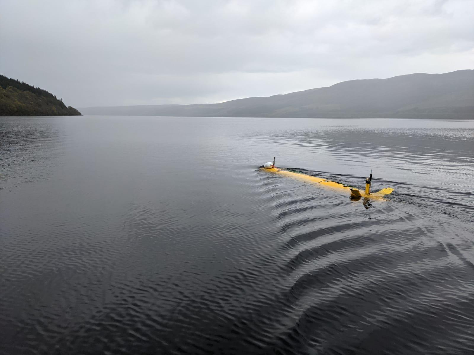 A2KUI heading out into Loch Ness in the early morning
